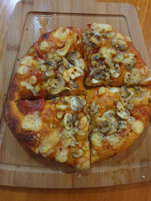 Homemade pizza dough lockdown recipe